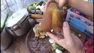Download Indonesia Surabaya Street Food 2086 Part.1 Lontong Rojak Rujak Cingur dalam Gang YDXJ0627 Video