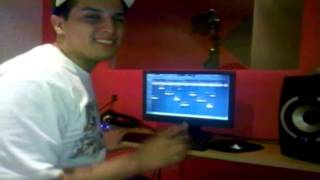 Download UN DIA EN EL ESTUDIO CAPITULO 2 - CONQUEST RECORDS Video