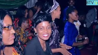 Download MATHA MWAIPAJA NA SOLOMON MKUBWA = KUSABABISHA TAMASHA KUENDELA USIKU Video