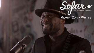 Download Kevin Davy White - When My Train Pulls In | Sofar London Video
