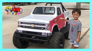 Download Kid Pranks on Dad Painting The Mini Monster Truck! Video