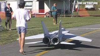 Download The world's largest Mig 25 RC Scale model airplane - the test flight Video