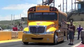 Download SCHOOL BUS DRAG RACING PUERTO RICO LA PAJARITA VS ALMALIBRE. Video