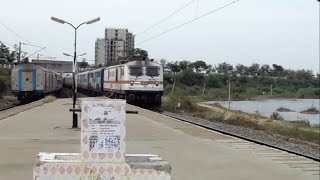 Download LHB Cholan Express crossing ICF Pallavan Express Video