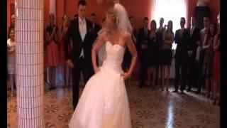 Download Pierwszy Taniec na wesoło :):) - Agnieszka i Bartek 18.06.2011 Video