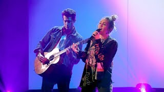 Download Miley Cyrus & Mark Ronson Perform 'Nothing Breaks Like a Heart' Video