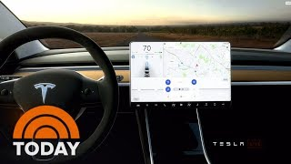 Download Tesla Rolls Out First Model 3 Electric Cars For $35,000 | TODAY Video