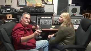 Download AM QSO 10 meter band Johnson Valiant transmitter National 303 Receiver Video