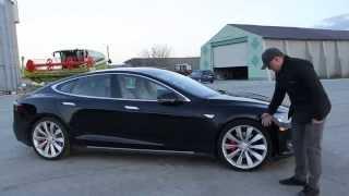 Download Tesla Model S P85d short review (buhnici.ro) Video