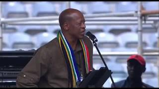 Download Mzwakhe Mbuli pays a moving tribute to Mama Winnie Video