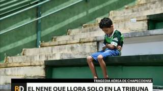 Download El nene que llora en la tribuna de Chapecoense – Telefe Noticias Video