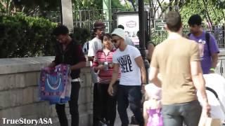 Download Karim Metwaly, reaksi apabila Muslim bersolat ditempat awam Video