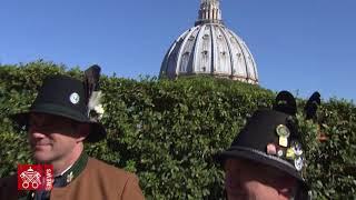 Download Auguri Papa Benedetto XVI 2018-04-16 Video