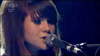 Download Kate Nash And Billy Bragg - A New England/Foundations - NME Video
