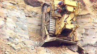 Download World Dangerous Idiots Bulldozer Heavy Equipment Operator Skill - Fastest Working Bulldozer Driving Video