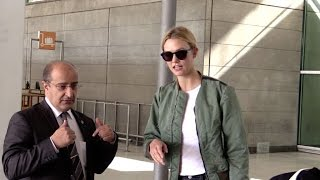 Download EXCLUSIVE: So nice Karlie Kloss arriving at Paris airport Video