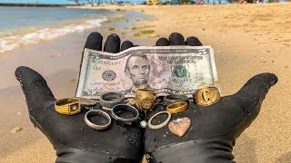 Download I Found 9 Wedding Rings Underwater in the Ocean While Metal Detecting! $10,000+ (Returned to Owner) Video