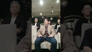 Download Lion's full reaction to Dimash ″Hello″ Video