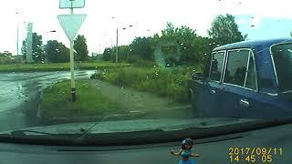 Download Регистратор. Сбили на авто дедушку в Линево подростки 11.09.17 Video