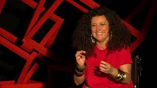 Download Γεμίζοντας το κενό με χιούμορ | Katerina Vrana | TEDxAUEB Video
