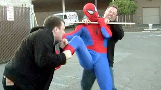 Download Amazing SPIDER-MAN Fights Crime Video