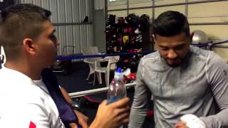 Download Abner Mares is too fast! Cuts his own finger during shadowboxing - EsNews boxing Video