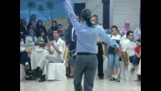 Download أجمل رقص شرقي (eastern dance by a man).mpg Video