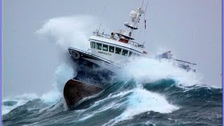Download 10 TOP SHIP IN STORM COMPILATION -MONSTER WAVES Video