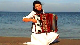 Download WIESŁAWA DUDKOWIAK with Accordion on Beach 1 , The most beautiful relaxing melody Video