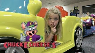 Download BEST HIDE AND SEEK SPOT AT CHUCK E CHEESE! Video