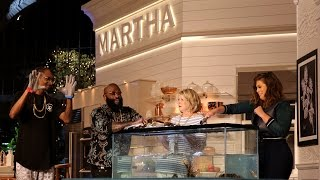 Download Snoop Dogg Caught A Lobster At Martha Stewart Potluck Dinner Party Video