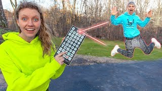 Download Ultimate Sis Vs Bro PAUSE CHALLENGE!! (I Control Stephen Sharer's Life for a Day with Giant Remote) Video