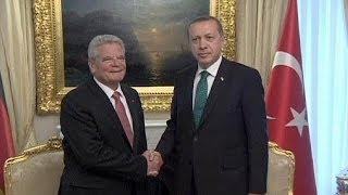 Download Başbakan Erdoğan'dan Almanya Cumhurbaşkanı Gauck'a tepki Video