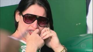 Download Familiares das vítimas estão devastados após tragédia com avião da Chapecoense Video