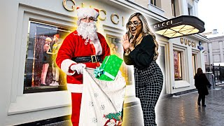 Download Santa Buys Random Strangers ANYTHING They Want! **unexpected** Video