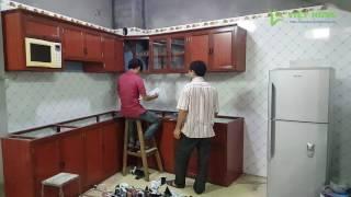 Download Thi công lắp đặt tủ bếp nhôm kính giả gỗ 2 tầng hình chữ L - Xaydungviethung.vn Video