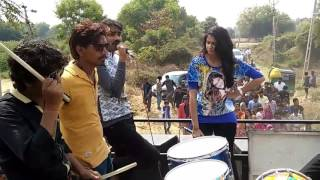 Download Kinjal dave & Jignesh kaviraj Sajan Lakho maa Ek Songs Video