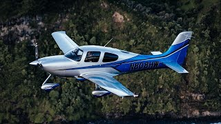 Download Flying lifestyle in a Cirrus SR22 Video