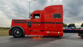 Download 2017 CLASS PAYS CONVOY LEAVING PETERBILT FACTORY Video