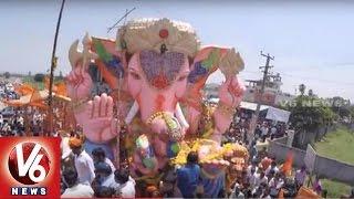 Download Balapur Ganesh Nimarjjanam Procession    Ganapati Visarjan 2015    Exclusive Visuals    V6 News Video