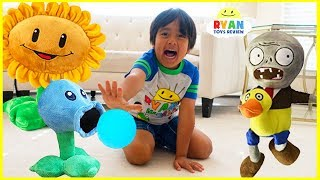 Download Plants vs Zombies Plush Garden Warfare Pretend Play with Ryan ToysReview!!! Video