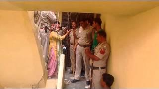 Download Mayur vihar ki Police ne samne kade Hoke badawa diya aur ghar todha aur yaha 99℅bana Video