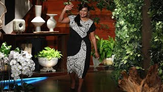 Download Mom-to-Be Mindy Kaling Reveals Gender of Her Baby Video