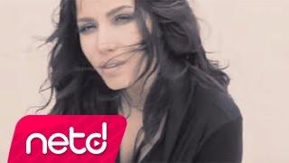 Download Burcu Güneş - Aşkın Beni Baştan Yazar Video
