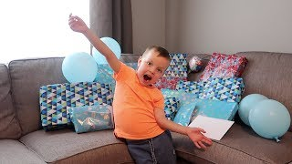 Download OBAN'S 5TH BIRTHDAY - OPENING PRESENTS! Video