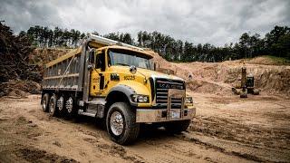 Download Mack Trucks 360º Virtual Reality Test Drive - Mack Granite Video