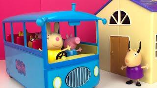 Download AUTOBUS ESCOLAR DE PEPPA PIG 🐽 CAPITULO 1 - LA EXCURSION DE PEPPA PIG Y SUS AMIGOS SCHOOL BUS Video