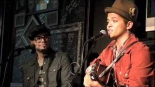 Download Bruno Mars - Cover Medley Video
