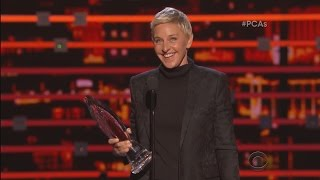 Download Ellen Wins the People's Choice Humanitarian Award! Video