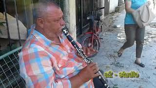 Download Osman Taka - nga nje artist i rruges me klarinete Video